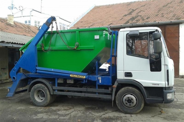 kamion-podizac0882C7F6-D3B4-152E-F965-0CE6A17E2C7B.jpg
