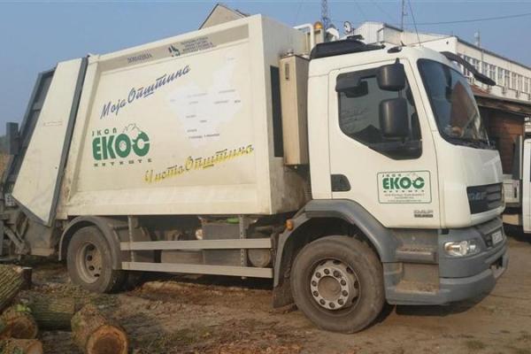 kamion-smecar-1C56DF023-491A-66D4-1298-68912BB5E9E6.jpg